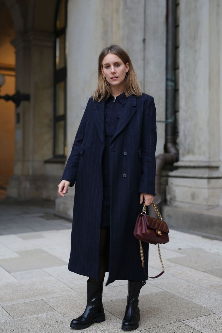 outfit inspiration streetstyle trendfarbe 2019 navy blue ss19