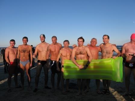 Fisici da spiaggia e facce rilassate: pronti per la prova di coraggio