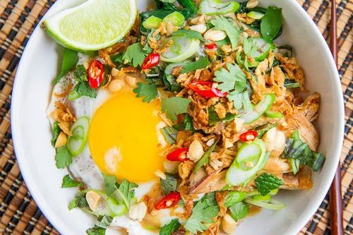 Obsessed with this Spicy Peanut Chicken Rice Bowl from @Kevin Moussa-Mann (Closet Cooking)
