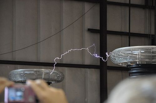 Tesla turbine current information, innovations and basic research. http://www.teslageneratorplans.net/ When Tesla coils generators make out.