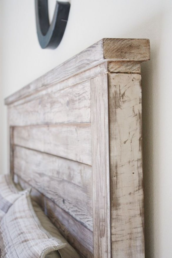 I love this headboard! She made it for 35 dollars :): Distressed Wood, The White, 35 Dollar, Head Boards, Diy Headboards, Age Wood, Rustic Headboards, Guest Rooms, Wood Headboards