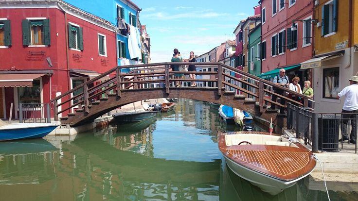 Venezias lillesøster Burano
