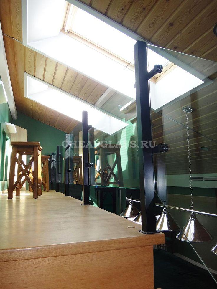 Ограждение из прозрачного стекла для площадки второго уровня. Modern glass fence.