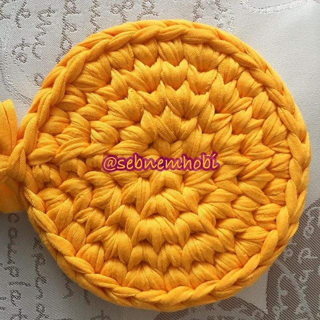 #crocheteando #crochetdoily #crochetersofig #crochetaddicted #crochetmotif #crochetdesign #crochetbasket #crochetgram #crochetmood #crochetting #croche #hakeln #örgüsepet #örgümodelleri #örgüaşkı #tigisi #trapilho #ganchilloterapia #ganchillocreativo #hakle #hakeln #szydełkowanie #sznurek #szydełko #szydelko #videoaula #crochetvideo #filato #tejer #hekle #virkat