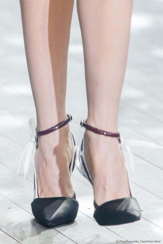 Les chaussures à brides ne nous lâchent plus ! - shoeista