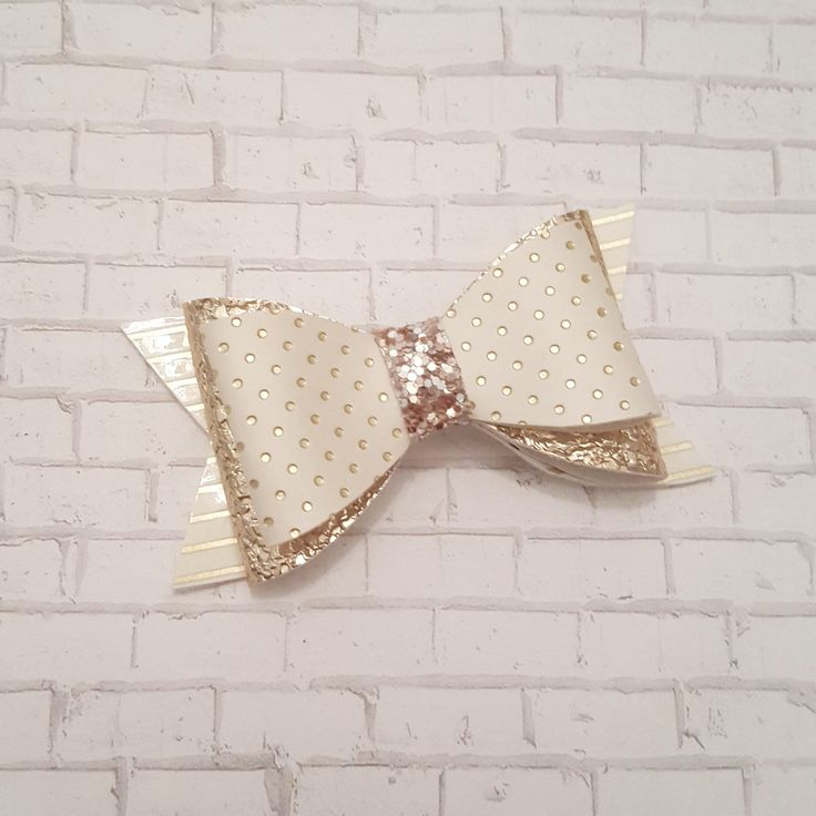 Pink and Gold Bow, Leather Bow, Glitter Bow, Hair Bow, Baby Headband, Toddler Hair Clip, Girls Hair Accessories, Baby Bow, Toddler Bow, by BabyBearHandmadeB on Etsy https://www.etsy.com/ca/listing/586073253/pink-and-gold-bow-leather-bow-glitter