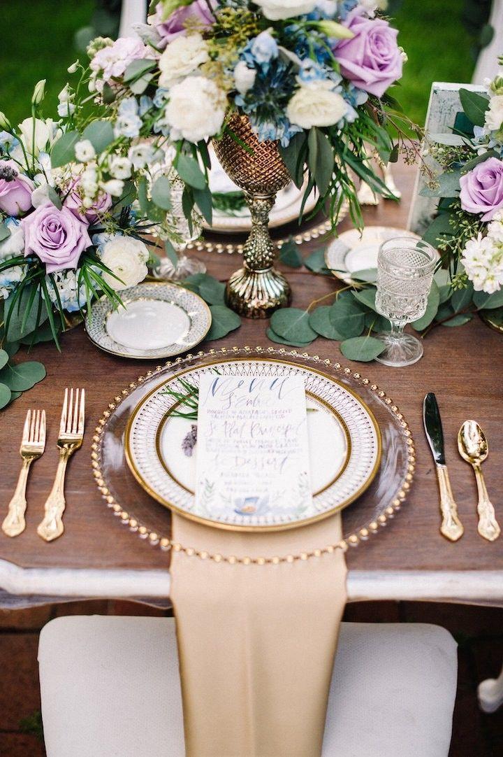 gorgeous wedding centerpiece; photo: Best Photography