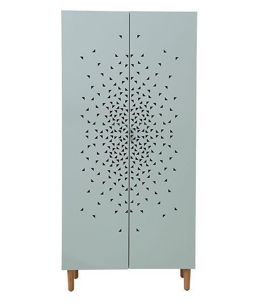 Kledingkast van plaatmetaal met beuken pootjes en grafisch dessin op de deuren. House Doctor heeft wat jij zoekt!Kijk snel hier.