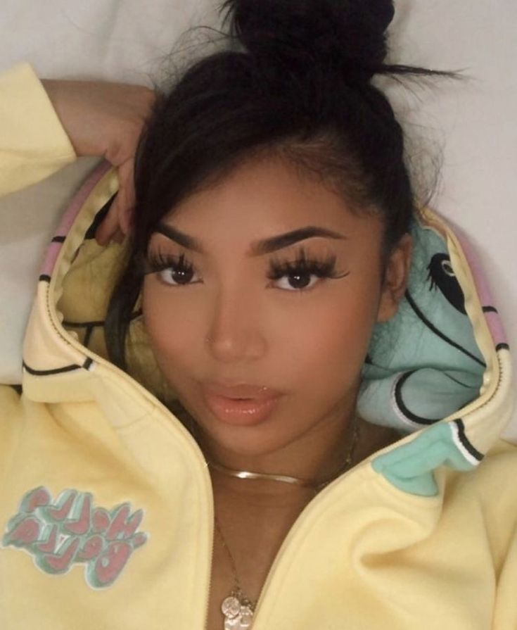 pin: @shesoglorious (With images) | Light skin girls