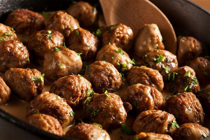 Kjøttboller til middag, på brødskiva, på pizza, eller med en god fløtesaus.Kjøttboller er familiens favoritt - og ikke uten grunn. La deg inspirere!