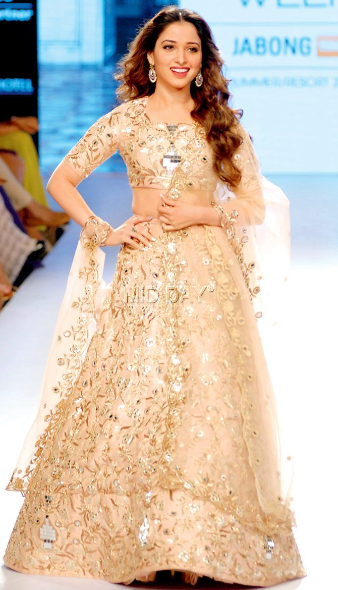 Tamannaah Bhatia showcased a garment from Payal Singhal's collection at the Lakme Fashion Week 2015.