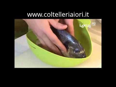 Orata al sale cotta in teglia di silicone. Ricetta Lekue - YouTube