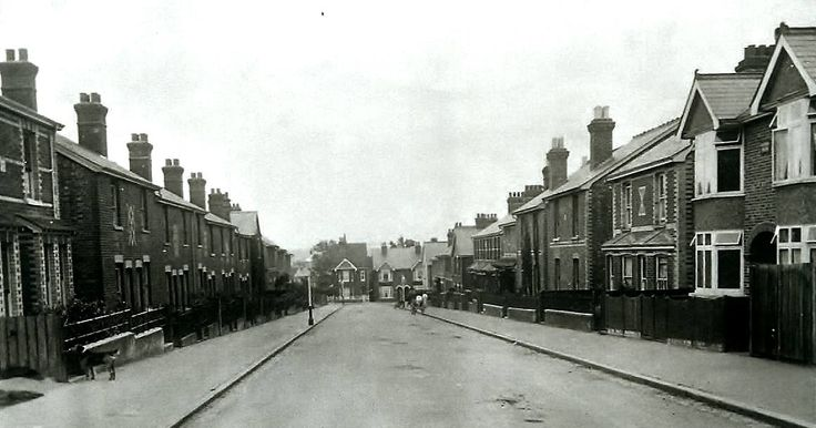Erskine Park Road, Rusthall c1920.