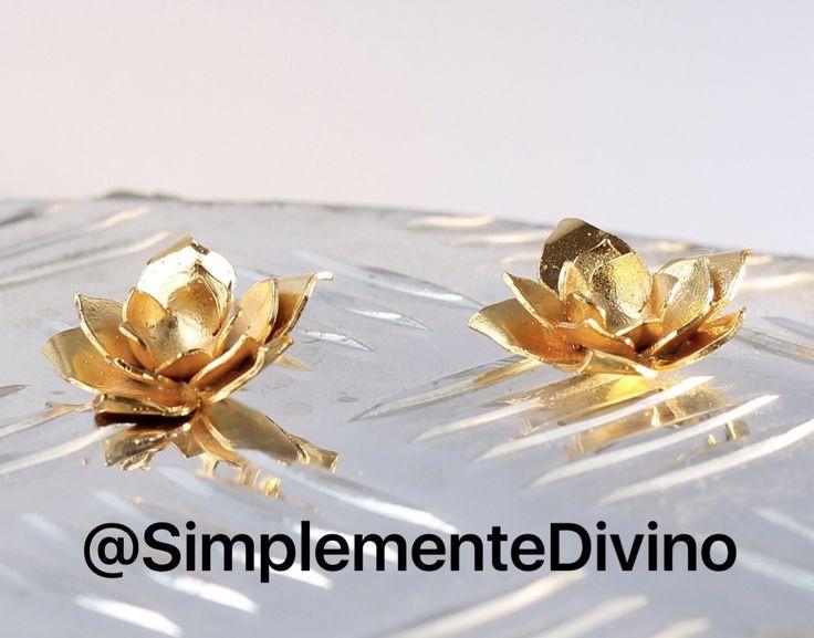 🌟Básicos indispensables 🌟Topos flor de loto de la colección 🌴Paraíso Tropical 🌴  . .  #simplementedivino #accesorios #accesories #flowerearrings #paraisotropical  #jewelry #joyeria  #paraisotropical #simplementedivinoaccesorios  #naturejewelry #earrings  #fashion  #naturejewelry #lotus #yogajewelry