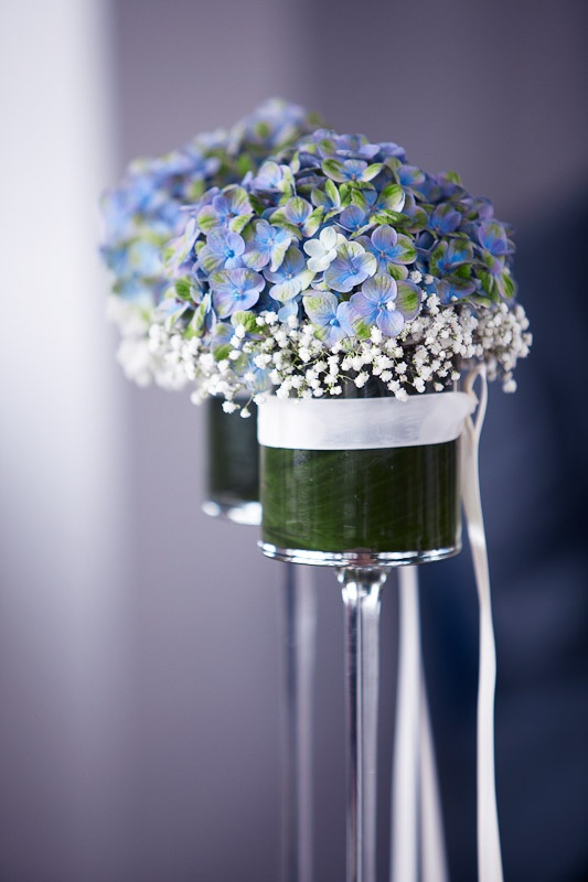 blue flowers ceremony  - Dekoration mit blauen Hortensien