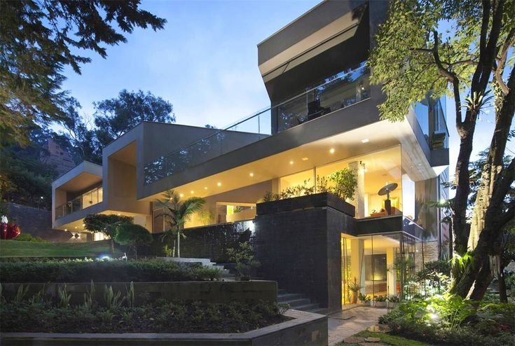 Best 25 modern mansion ideas on pinterest luxury modern for Casa mansion bogota