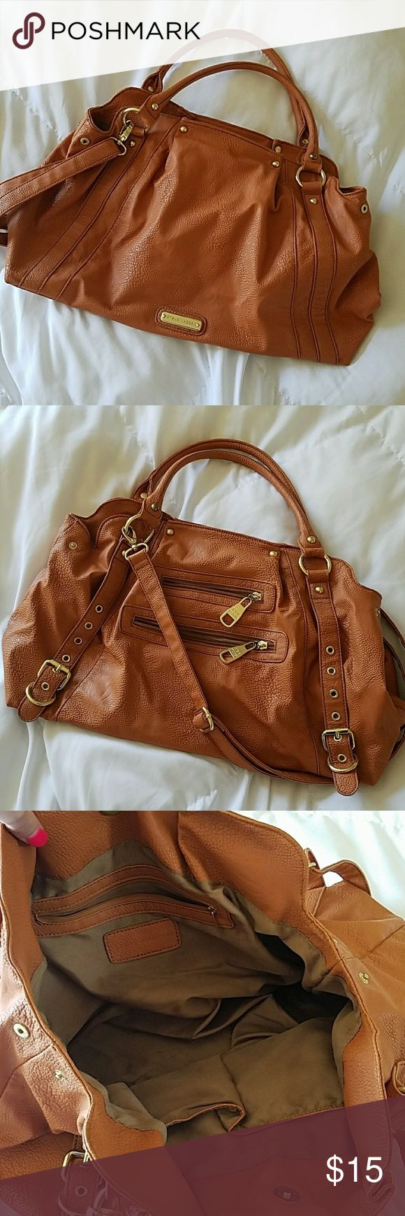 STEVE Madden Large Purse Steve madden handbad. Large size. Great condition! Steve Madden Bags