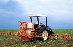BARRAS TRÊS PONTOS JACTO  CONDOR 800 AM 12-14        Foi especialmente desenvolvido para o agricultor que busca maior produção diária, grande eficiência na aplicação e a garantia de proteção à sua cultura, do plantio até a colheita.
