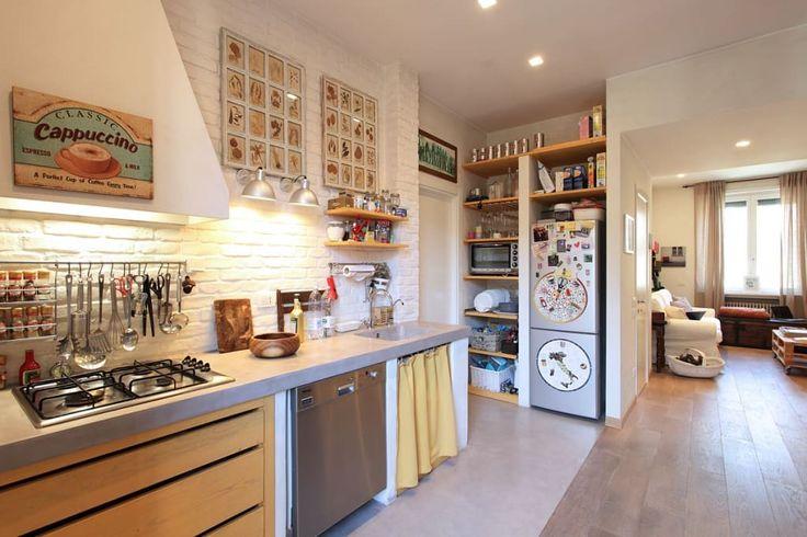 150 m² di una Vecchia Casa Divisi in 2 Appartamenti Moderni (di Claudia Adamo)