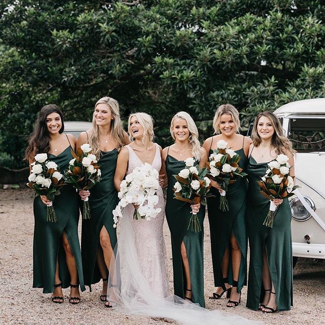 Green Eith Envy What A Stunning Earthy Vibe With The Bms In Beautiful Emerald Green Complem Dark Green Bridesmaid Dress Green Wedding Dresses Green Bridesmaid