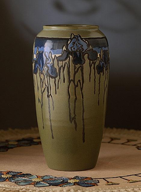 Sara Galner (United States, 1894 - 1982) , Paul Revere Pottery of the Saturday Evening Girls' Club (United States, Massachusetts, Boston, 1908 - 1942) Vase, 1916