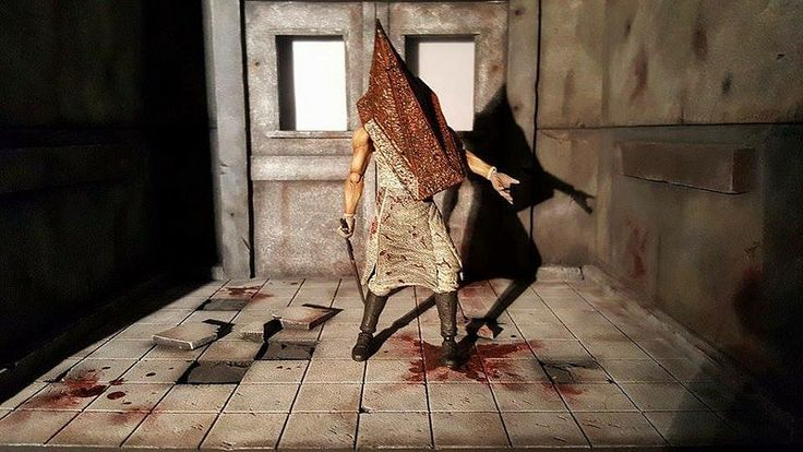 Custom made dioramas by Louise Townend - Silent Hill Pyramid Head