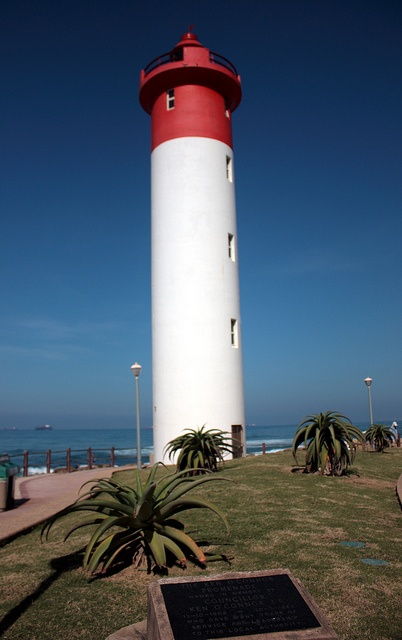 Lighthouse, Umhlanga Rocks, KwaZulu-Natal, South Africa by Kleinz1, via Flickr