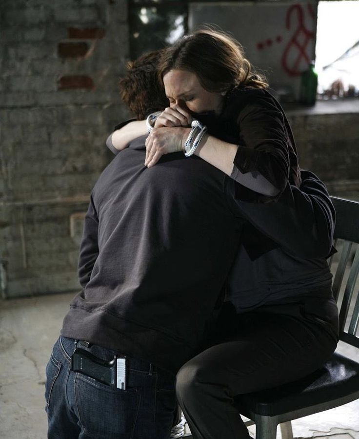 Bones & Booth are always there for each other  Season 1 Episode 15 Two Bodies in the Lab