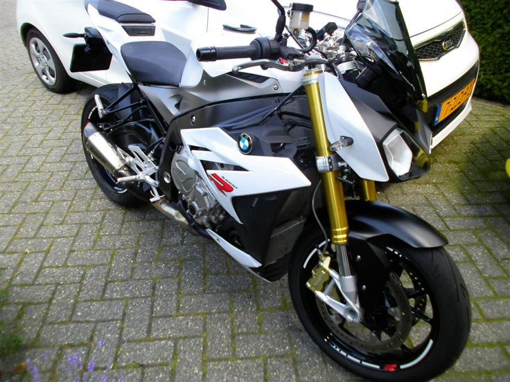 BMW S1000R with Pro-Oiler automatic chain lubrication