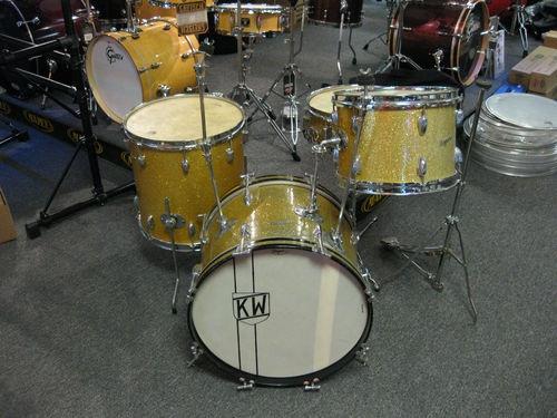 17 best images about vintage drums on pinterest jazz pearl drum kit and drums. Black Bedroom Furniture Sets. Home Design Ideas