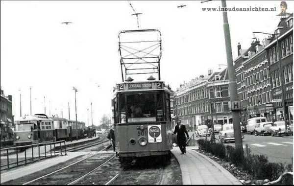 1952 Putselaan met links nog de RTM tram.