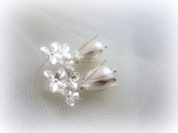 Freshwater pearl drop earrings bridal silver by MalinaCapricciosa