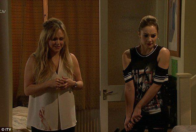 Coronation Street stars celebrate live episode backstage