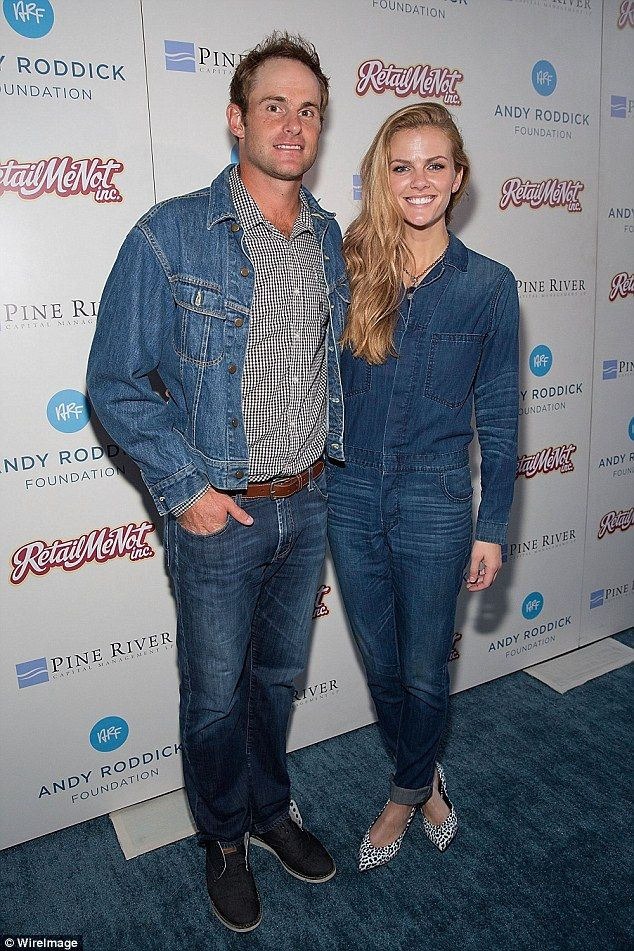 Brooklyn Decker hits country festival following pregnancy announcement #dailymail