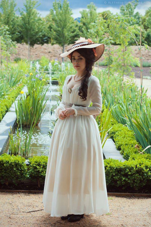 Here is the beautiful blog of a young lady who recreates historical costumes.