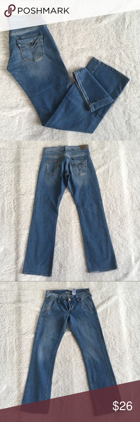 "Levi's 513 Boycut Denim button fly jeans 29 Levi's 513 Boycut Denim button fly jeans 29  3 button fly Levi's jeans. Some scuffing on the seams (normal wear) & scuffing on bottoms of legs.   Measurements Approximate Tag Size 1m Jr  Waist Flat 14.5"" (29"") Rise 7.5"" Hip 17"" Inseam 31.25"" Levi's Jeans"