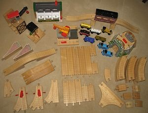 EBAY TREASURES: My boys LOVED anything to do with Thomas the Tank Engine.  They would have loved to have owned all of the pieces offered in this set. #thomasthetankengine #train