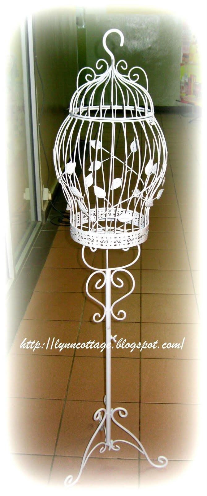 lynn's cottage: Bird Cage
