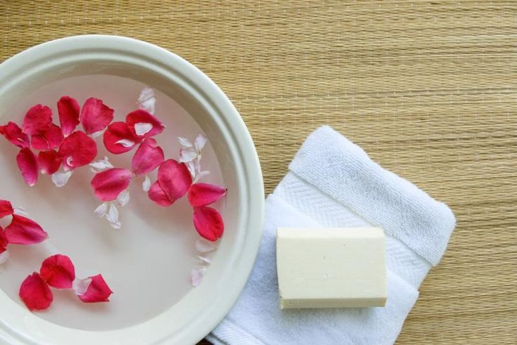 Are There Benefits of Rosewater on the Skin?
