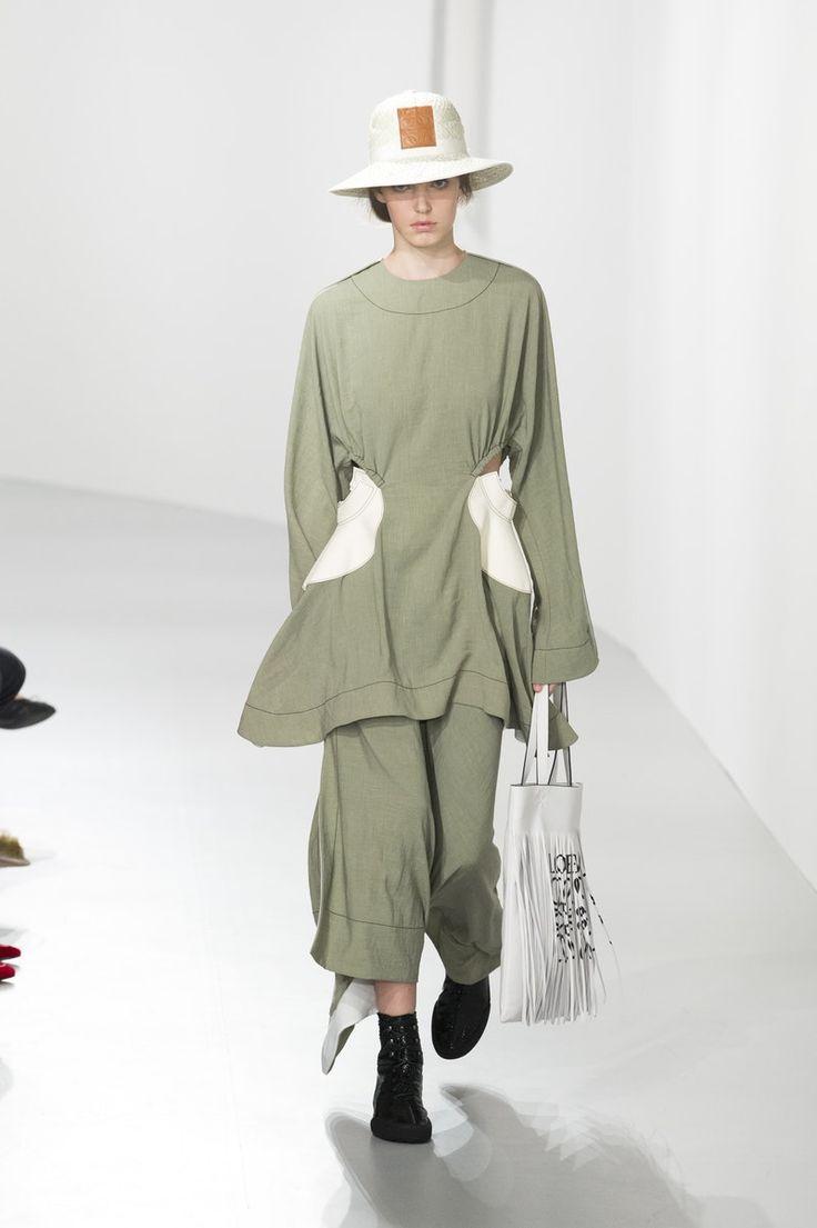 Loewe | Ready-to-Wear - Spring 2018 | Look 2