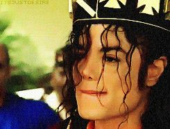 """You can try all you want when attempting to """"take"""" the King of Pop title away from him but y'all gotta remember that he IS a legitimate KING!!! #dealwithit"""