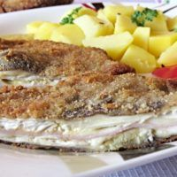 Recept : Houbové Cordon Bleu | ReceptyOnLine.cz - kuchařka, recepty a inspirace.......... http://www.receptyonline.cz/recept/jidlo/houbove-cordon-bleu/