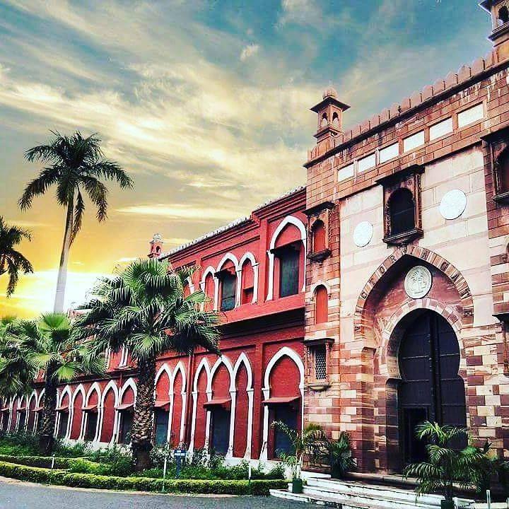 The famous Victoria Gate of Aligarh Muslim University by seikhsahabuddin #Aligarh #India