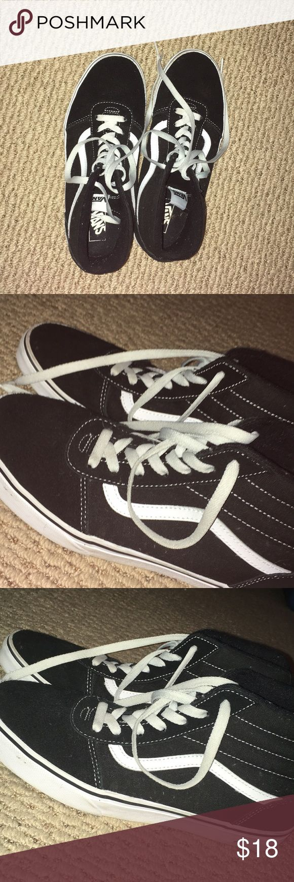 Vans shoes Worn once, good condition Vans Shoes Sneakers