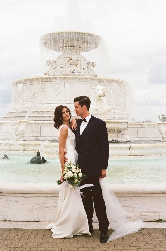 C+N // A Detroit Wedding at the Belle Isle Casino » Julie Pepin Photography Blog