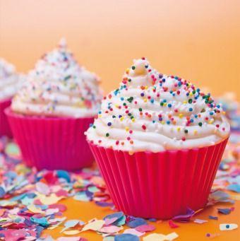 Happy Birthday Cupcakes | @FairMail - Fair Trade Cards -  FMC038