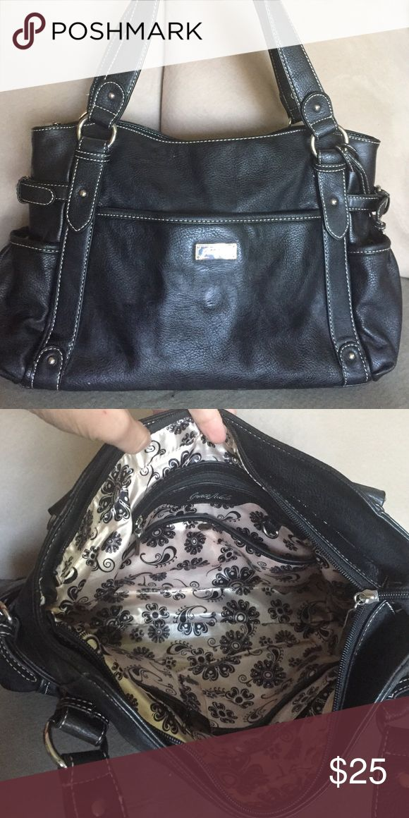 Grace Adele HEATHER Gently used trendy Grace Adele purse. Grace Adele Bags Satchels