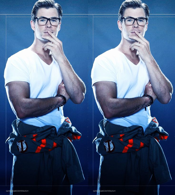 Chris Hemsworth in Ghostbusters as Kevin Beckman, credits in picture.