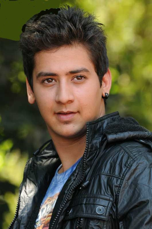 Paras Arora Height, Weight, Biceps Size and Body Measurements