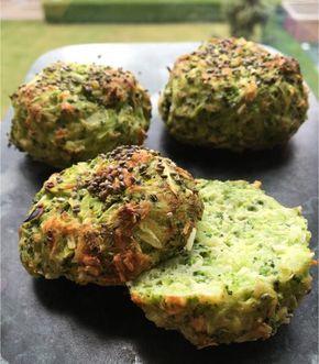 De her super sunde broccoliboller er min nye craving. Smagfulde og med kun 60 kcal pr bolle.